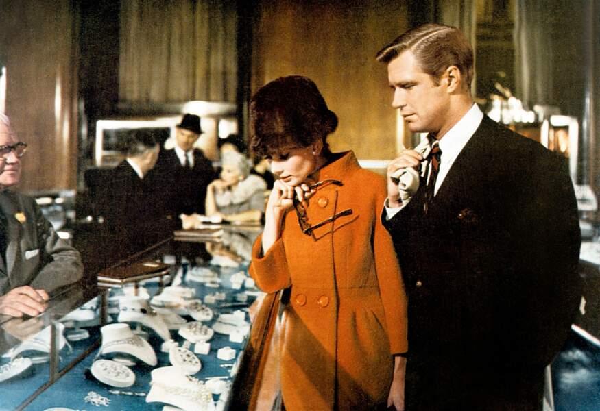 """Retour aux goûts de luxe avec """"Diamant sur canapé"""", comédie de Blake Edwards avec George Peppard (1961)"""