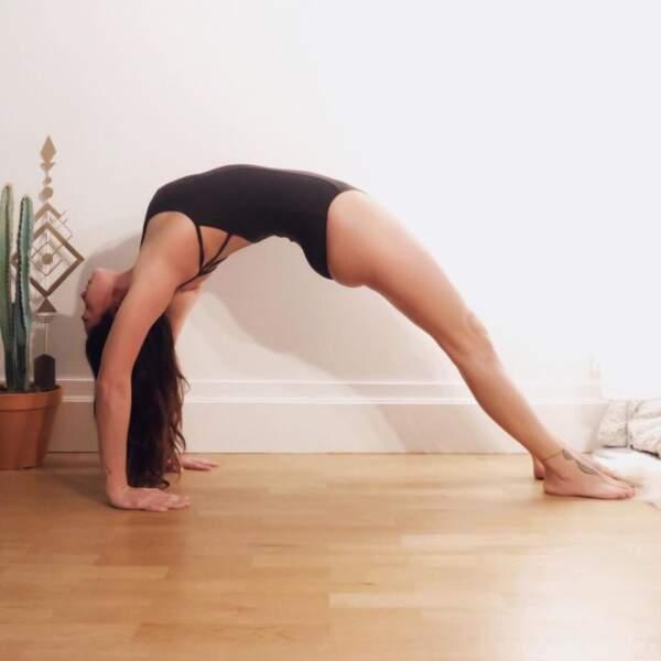 Point bien être : Clio Pajczer fait du yoga.