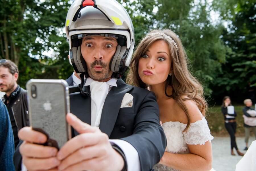 Sébastien Roch (Christian) arrivera-t-il en scooter à son mariage avec Elsa Esnoult (Fanny) ?