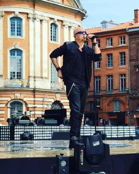 Pascal Obispo en pleine répétition pour le show de France 2