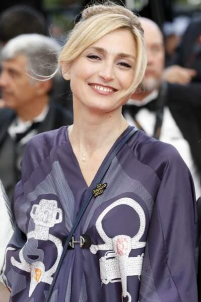 Julie Gayet est ceinture violette en Karaté