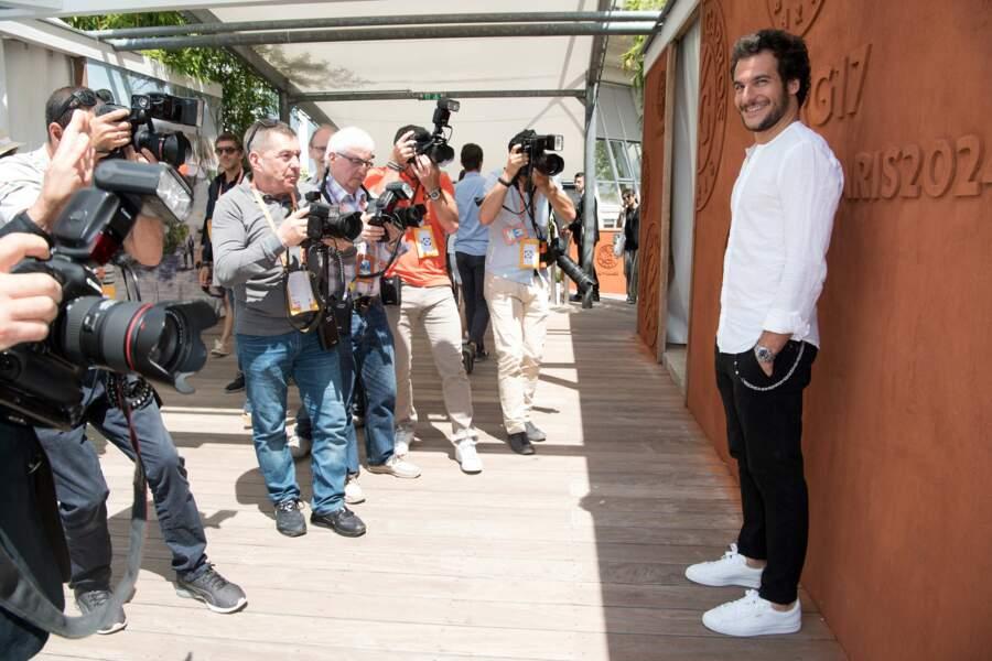 Le chanteur Amir, chouchou des photographes