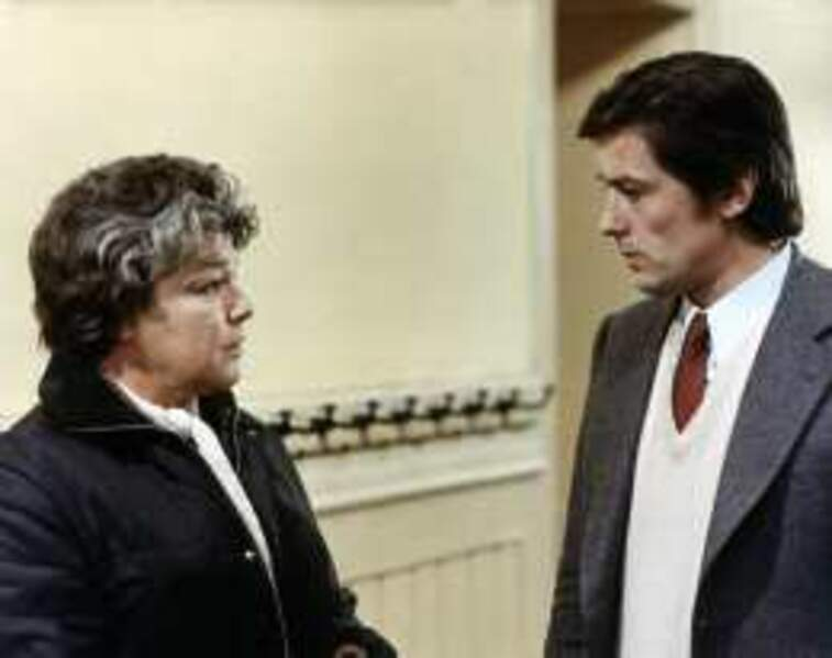 Face à face avec l'immence Simone Signoret dans Les Granges brûlées (1974)