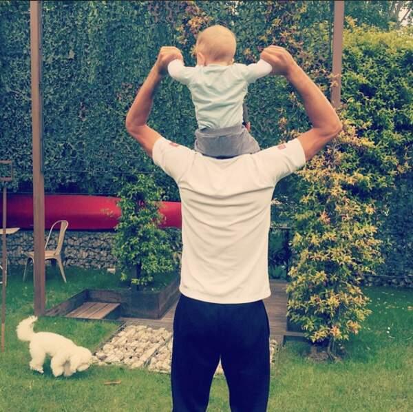 Ils sont pas trop choux, les Djokovic père et fils ?