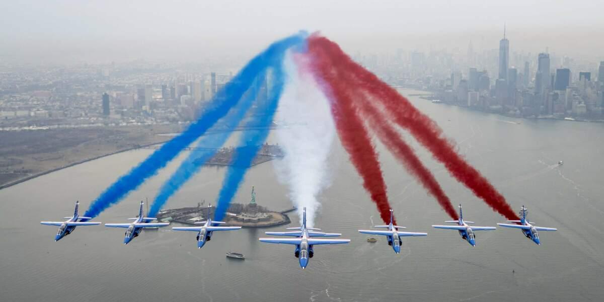La Patrouille de France a survolé Manhattan et la Statue de la Liberté, à New York