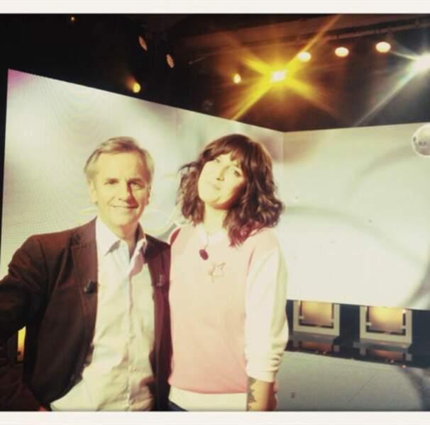 Allez, hop, une petite photo souvenir pour Daphné Bürki avec Bernard de la Villardière