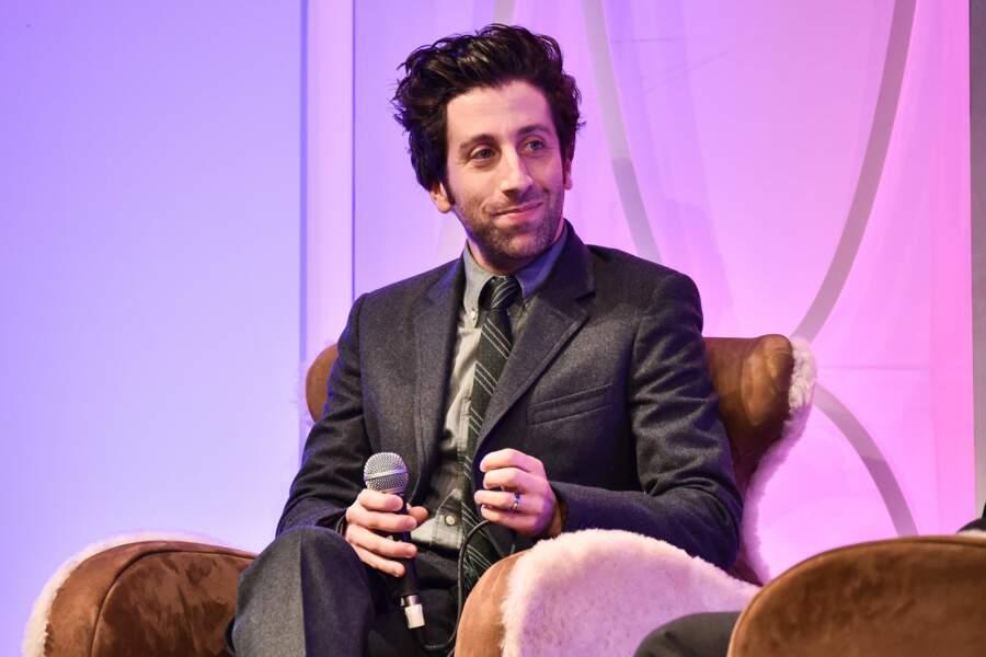 Son interprète, Simon Helberg, est sans doute celui qui se métamorphose le plus dans la série !
