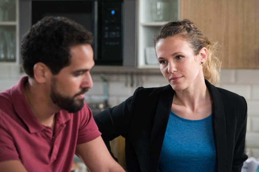 Au commissariat, le capitaine Karim Saeed (Samy Gharbi) et le lieutenant Luce Saducci (Lorie Pester) enquêtent
