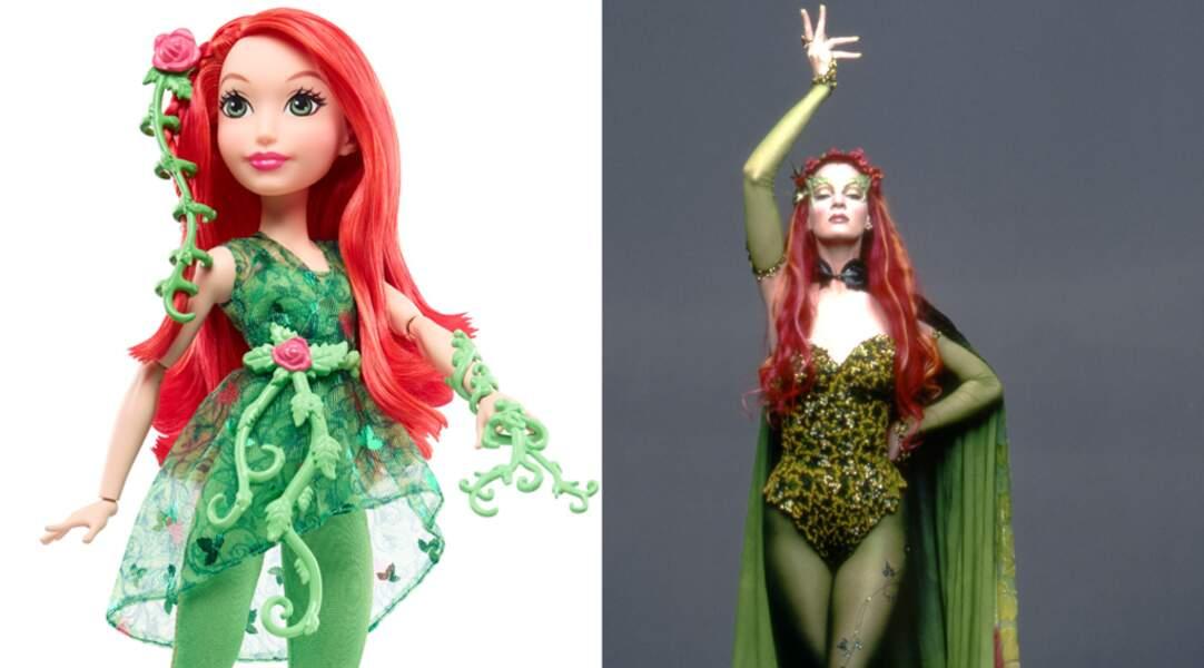 Uma Thurman est ravissante en Poison Ivy tout comme sa poupée !