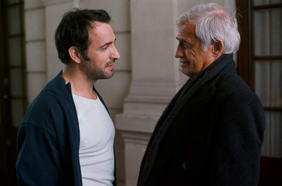Hafsia Herzi lui donne la réplique, ainsi que Jean Dujardin, sous la direction de Francis Huster