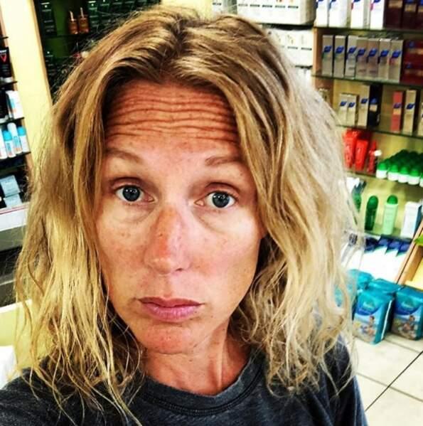 Agathe Lecaron, de sortie à la pharmacie