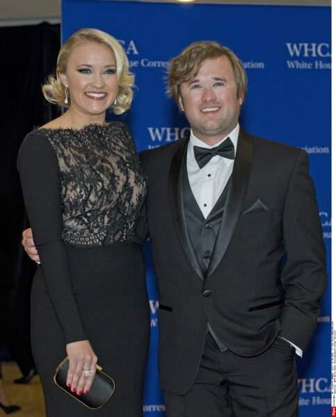 Aux côtés de sa soeur, l'actrice Emily Osment (Hannah Montana)