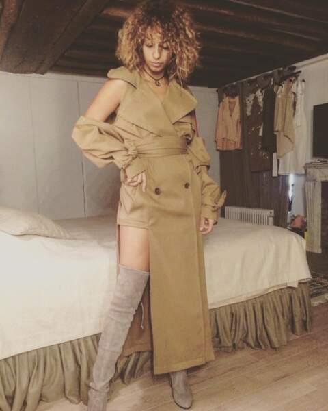 La maman de Tal est une des créatrices de cette tenue, qui servira pour son deuxième single.