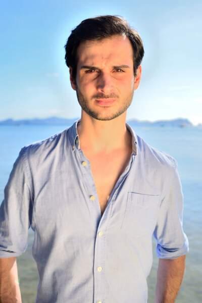 """L'hypnotiseur Alexandre, 32 ans, se considère comme un """"grand enfant"""""""