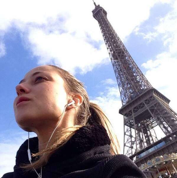 Sinon, elle aime beaucoup Paris...