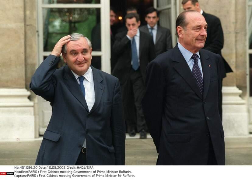 Et contre toute attente, il nomme Jean-Pierre Raffarin Premier ministre.