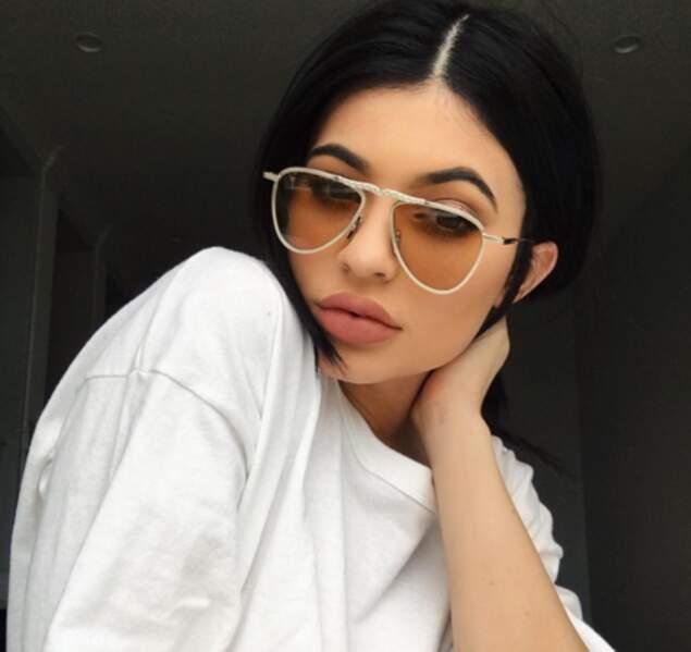 Et on en parle de ces lunettes de Kylie Jenner, façon Jacques Mesrine ?