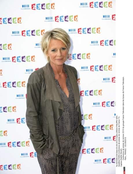 A partir de 2010, elle anime, en plus de C'est au programme, l'émission de témoignages Toute une histoire