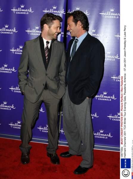 Au fil des années, Luke Perry avait gardé contact avec ses partenaires de Beverly Hills, dont Jason Priestley