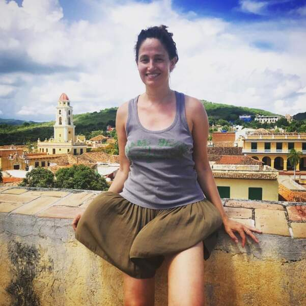 On commence avec des photos de vacances : il y avait du vent à Cuba, Marie Gillain peut témoigner.
