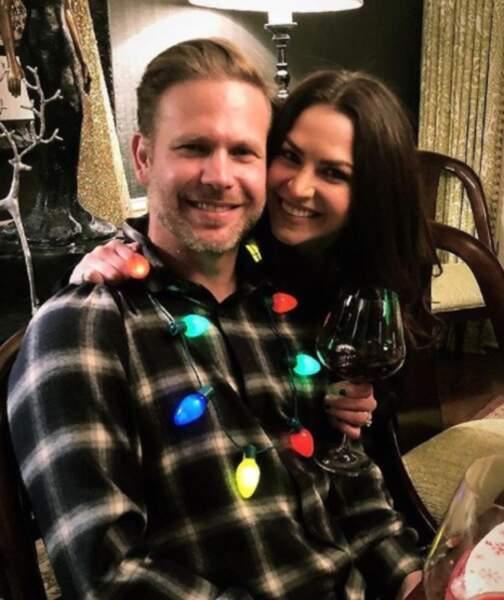 Ci-dessus avec sa chère et tendre Brittany Sharp, il est revenu en 2018 dans The Originals !