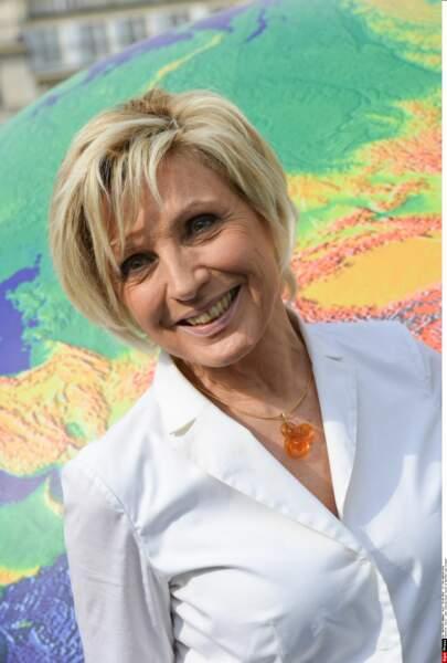 Que serait la météo de TF1 sans Evelyne Dhéliat, toujours pétillante à 71 ans !