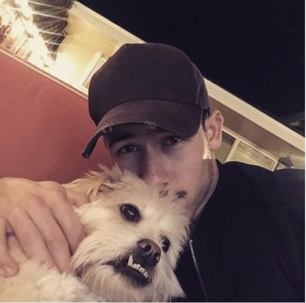 Nick Jonas et son chien méchant