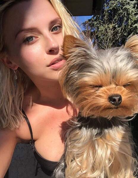 Kelly Vedovelli (TPMP) et sa chienne Rosie