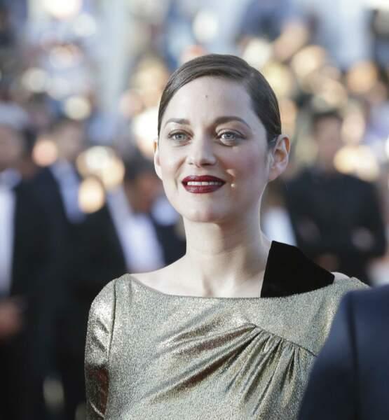 Rouge et or… Une formule imparable, n'est-ce pas Marion Cotillard, actrice du film Mal de pierres ?