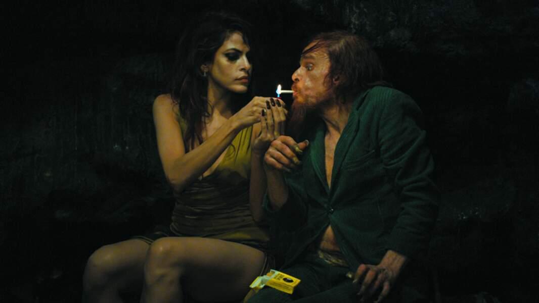 Encensé par la presse, Holy Motors (2012) nous fait découvrir une Eva Mendes dans un autre rôle, plus dramatique