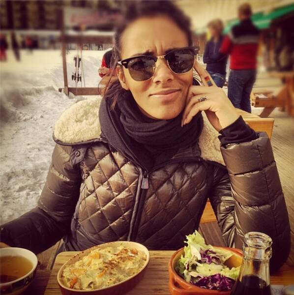 Shy'M l'a promis : en 2013, elle fait un break. Et cela commence par de jolies vacances à la montagne.
