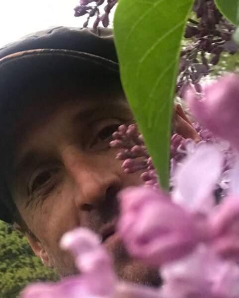 Salut les petites fleurs des champs.