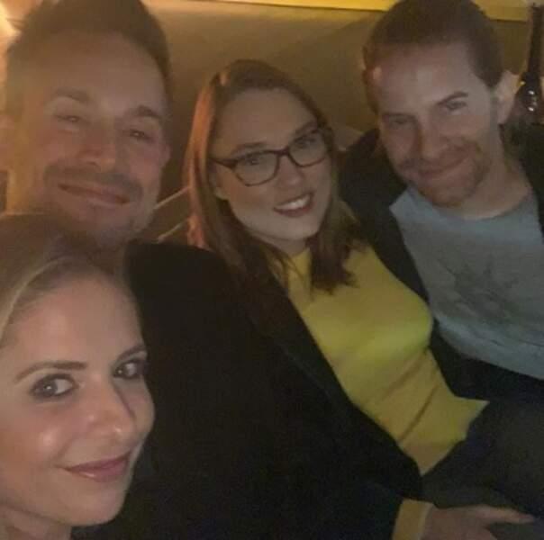Et Sarah Michelle Gellar et son ancien collègue de Buffy Seth Green se sont fait une petite soirée couple.