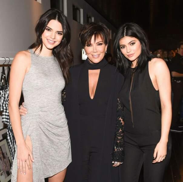 Kris Jenner fait tout son possible pour avoir l'air de la grande soeur de ses filles...