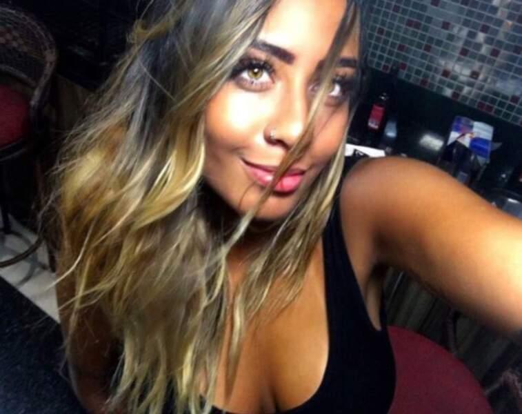 La jeune et belle Brésilienne partage la vie d'un coéquipier de Neymar, Gabriel Barbosa