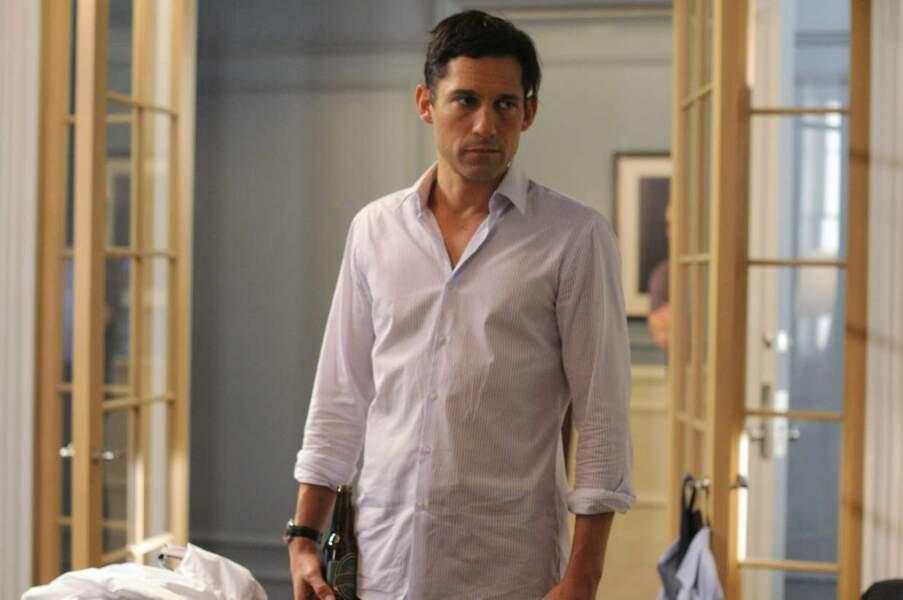 Enrique Murciano dans la série 666 Park Avenue en 2012