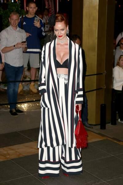Barbara Meier est maligne, pour gagner du temps, elle est venue en pyjama !