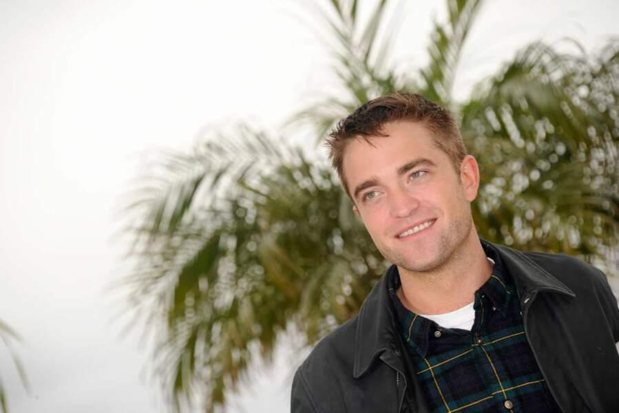 Pour vous, mesdames : une autre photo de Robert Pattinson.