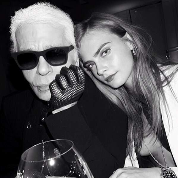 Bien évidemment, elle est très proche de Monsieur Karl Lagerfeld