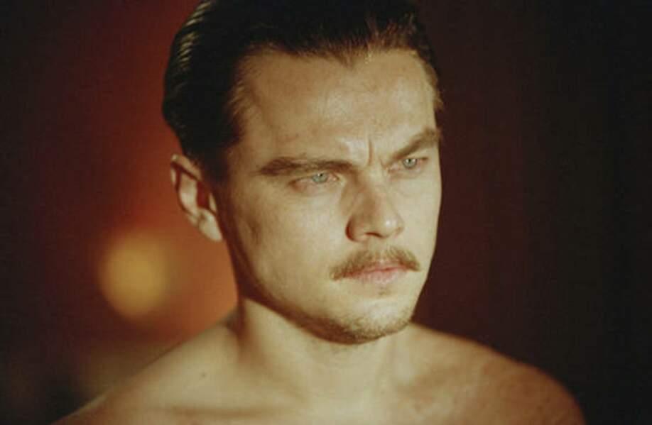 Il remporte le Golden Globe du meilleur acteur dans un film dramatique et est nommé aux Oscars