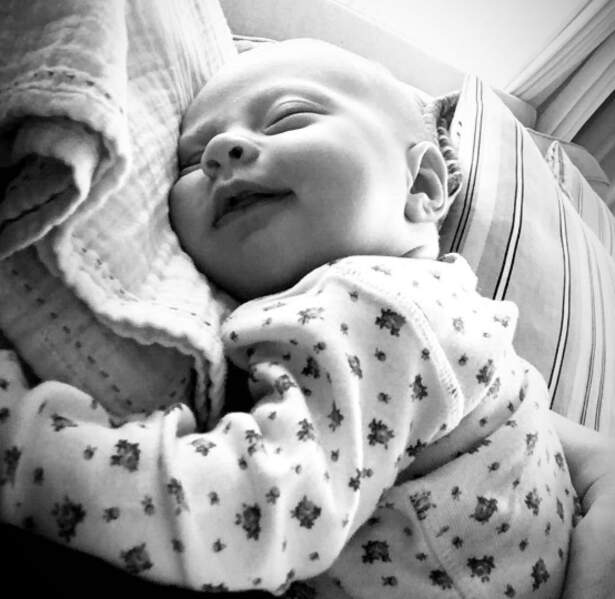 Lula Rose, 6 semaines et fille de Liv Tyler, nous a complètement fait craquer.