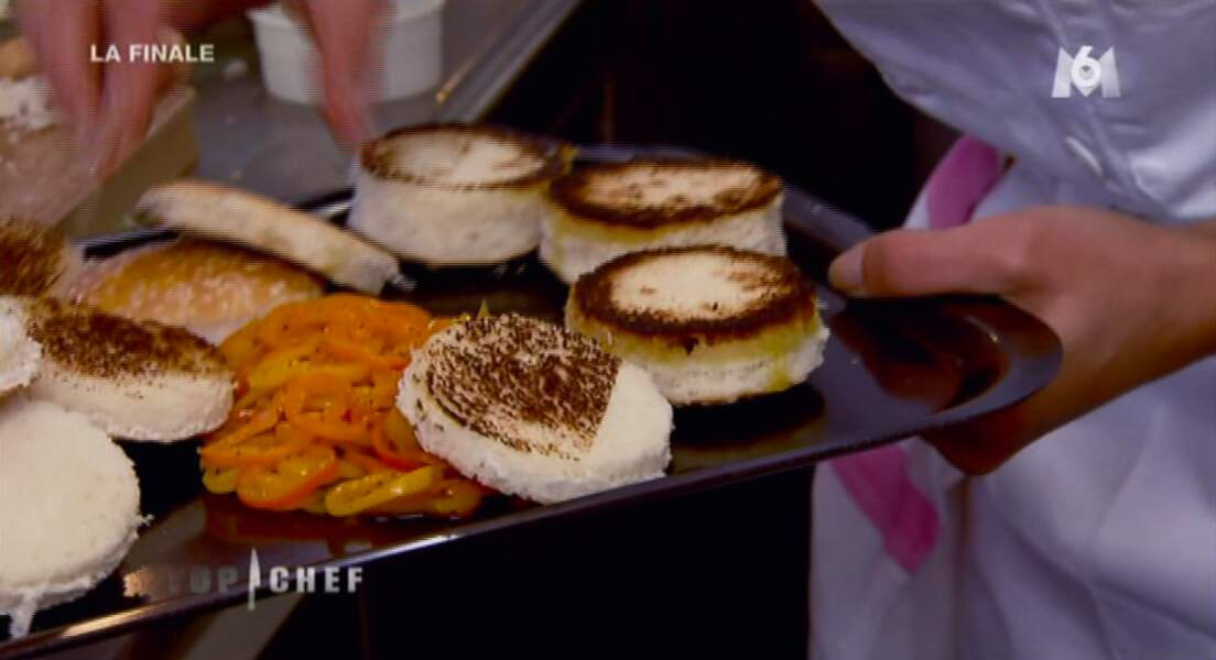 Ah oui les pains à hamburger de Naoelle ont peut-être un peu cramé là...
