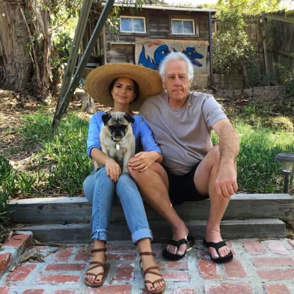 Emily Ratajkowski a rendu visite à son papounet.