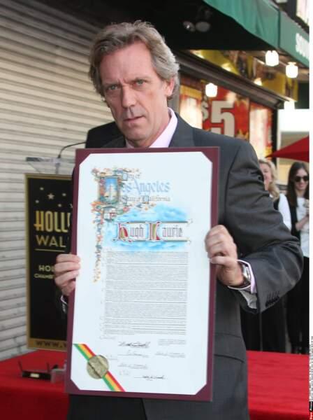 À 57 ans, Hugh Laurie a reçu son étoile sur le célèbre Walk of Fame à Hollywood
