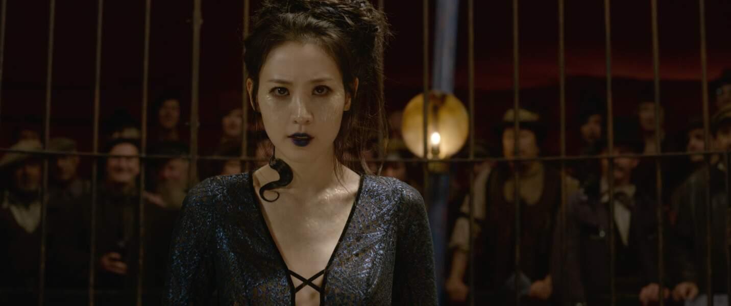 La femme serpent du cirque Arcanus qui deviendra le terrifiant serpent contre lequel se battra Harry Potter.