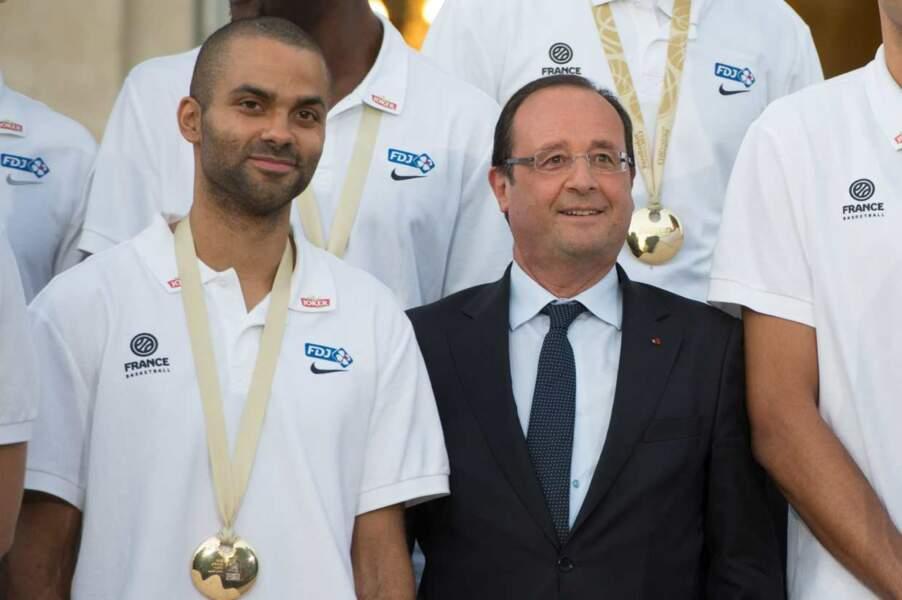 Francois Hollande et Tony Parker après la victoire de la France au Championnat d'Europe