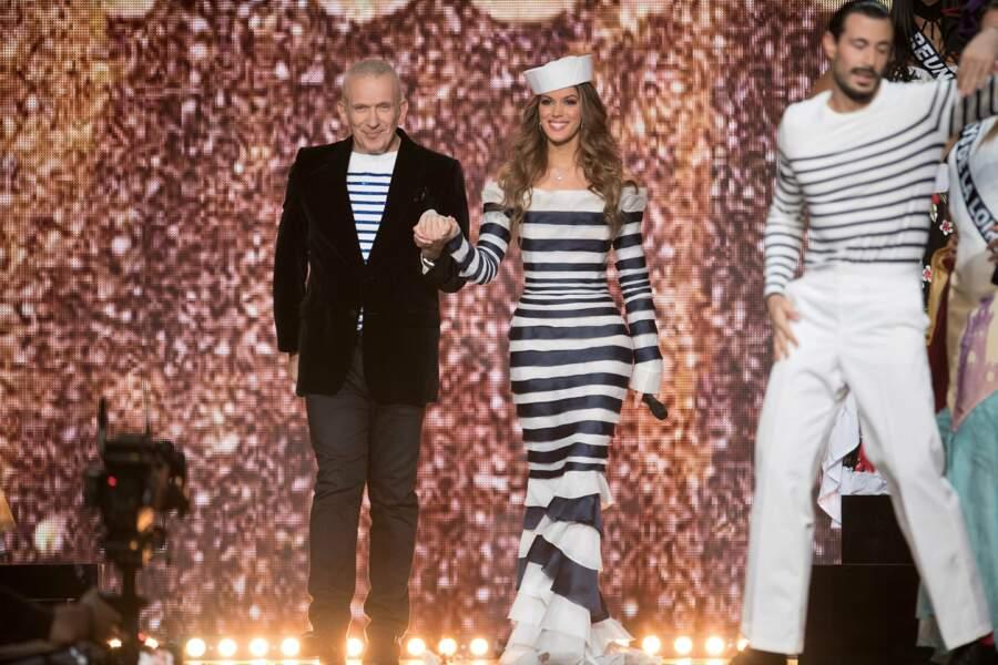 Iris accompagnée de Jean Paul Gaultier président l'élection de Miss France 2018, le 16 décembre 2017