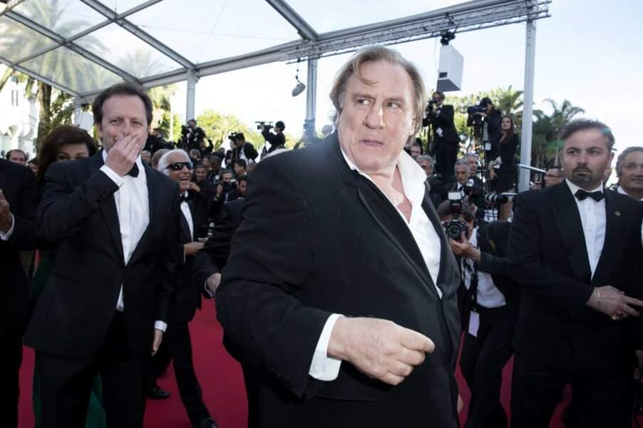 Les petits fours, planquez-vous ! Gerard Depardieu arrive !