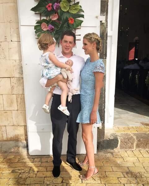 Il ne manque que la petite Teddy sur ce cliché de la famille Rothschild-Hilton.