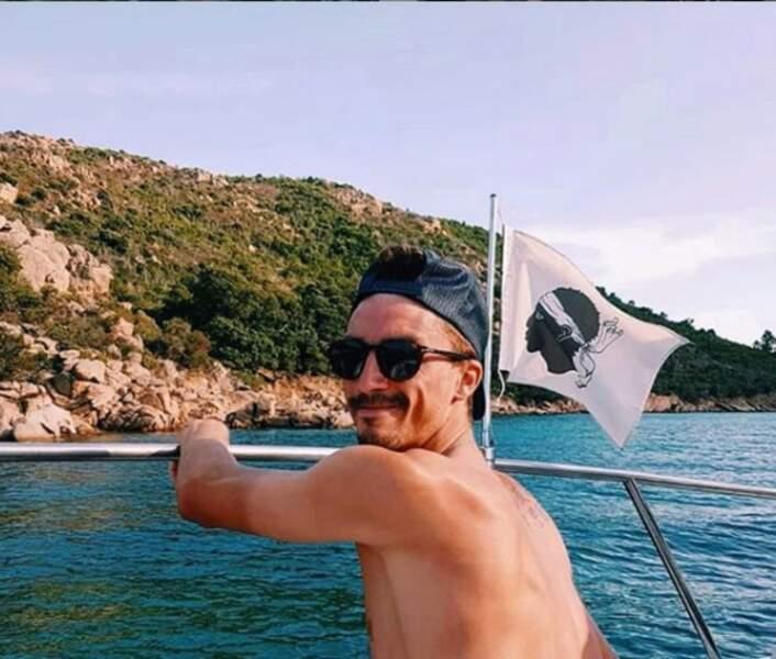 Julian Alaphilippe se la joue Corse